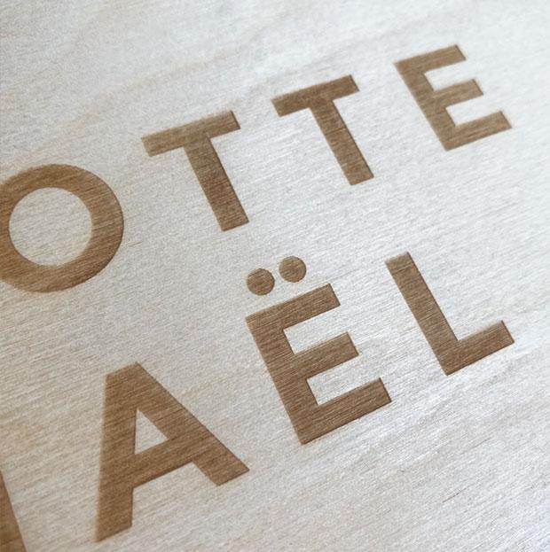 herinneringendoos op maat gegraveerd eigen logo gent oost Vlaanderen huwelijk baby uitnodigingen