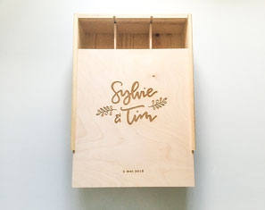 Houten gegraveerde doos wijnkrat
