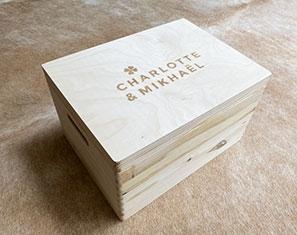 houten herinneringendoos memory box op maat oost Vlaanderen eigen logo